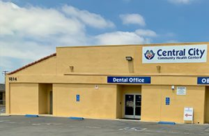 Picture of our dental office at our Anaheim Health Clinic at 1814 - 1820 Lincoln Ave to show the entrance and parking area for our dental page